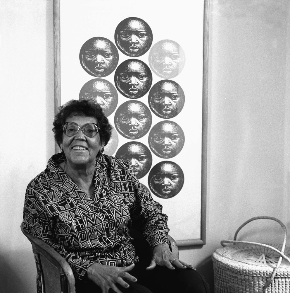 Great Moments from the Weekend: Ananda's Artist Date @ Elizabeth Catlett in Mexico exhibit and its connection to her books That Which Awakens Me & Love's Troubadours (2/3)