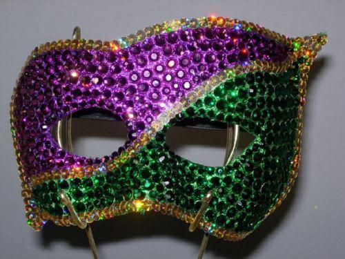 Photo Credit: http://www.nomadnessmasks.com/smsoldimages/NouvelleOrleans.jpg