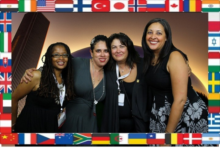 Photo Credit: BlogHer - Ananda, Pauline, Lori Luna, and Dwana